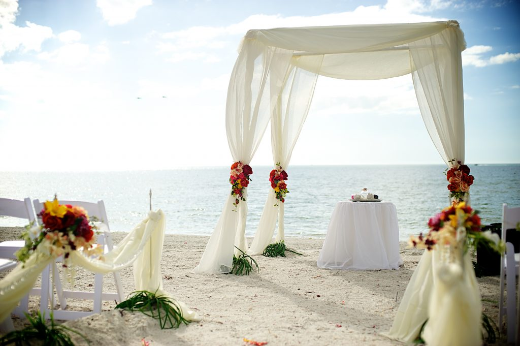 Florida Beach Wedding With Aquarium Reception: BEACH AND AQUARIUM WEDDING RECEPTION