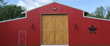 Rustic red barn for weddings and receptions